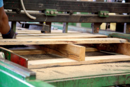 manufacturing a timber pallet