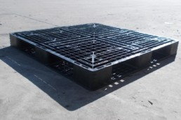 exportable plastic pallets